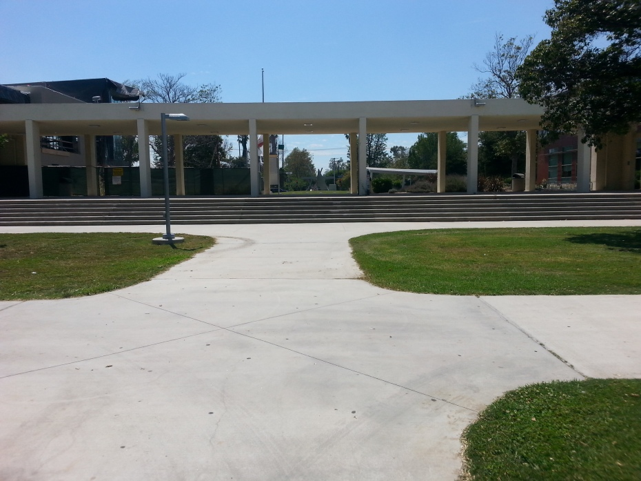LA Valley College Free Plaza